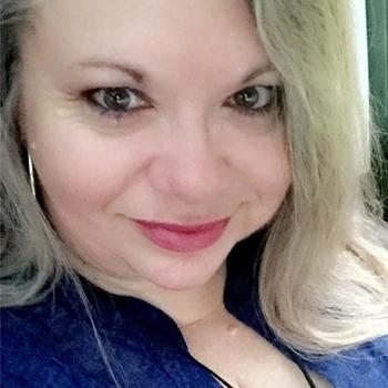 54 jarige vrouw zoekt contact voor sex in Bree, Vlaams-Limburg